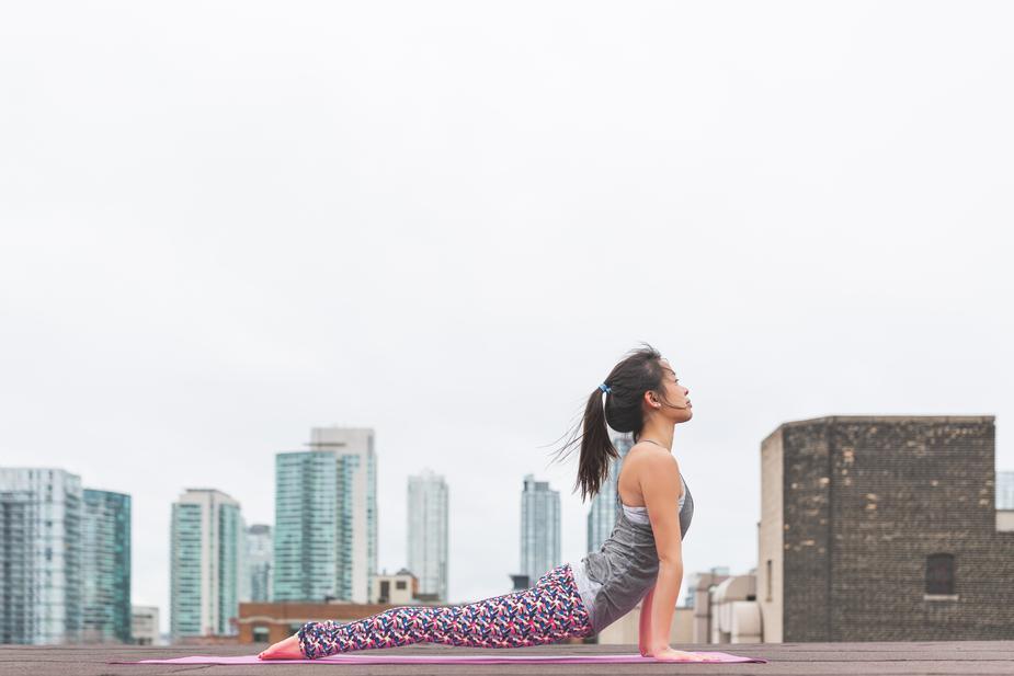 upward-facing-dog-yoga_925x
