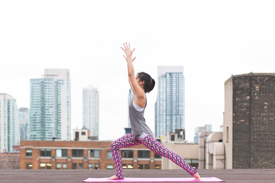 yoga-crescent-lunge_925x